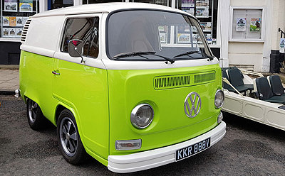 Lime Green Wedding Prom Birthday Car Hire in Norwich & Norfolk